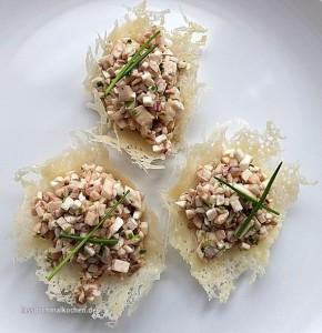 Malte Evers Rezept: Pilztatar im Parmesankörbchen 1