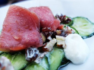 Malte Evers Rezept: Gurkensalat mit Walnüssen und Rosinen