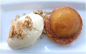 Malte Evers Rezept: Dessert Tarte Tatin mit Vanilleeis und Granola